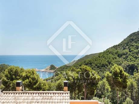New 4-bedroom house for sale in Sa Tuna on the Costa Brava