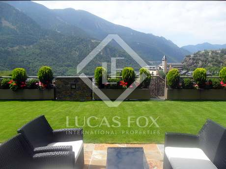 Superb located garden apartment for sale in Andorra
