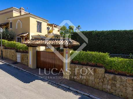 Exclusive 6-bedroom villa for sale in Marbella East