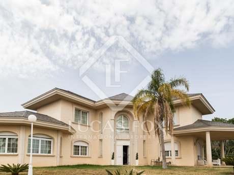 Villa for sale close to Los Monasterios country club
