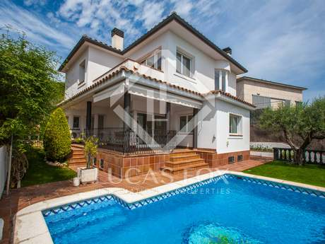 Modern family house to rent in Tiana, Maresme