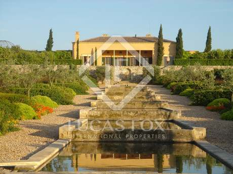 Country estate to buy in Central Mallorca on plot of 46 ha