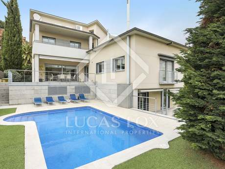 451m² house for sale in Esplugues, Barcelona