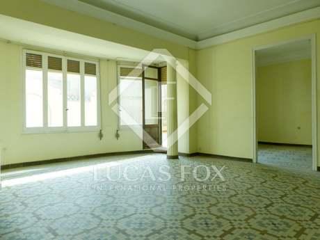 Vivienda modernista de 244 m² en venta en Cirilo Amorós