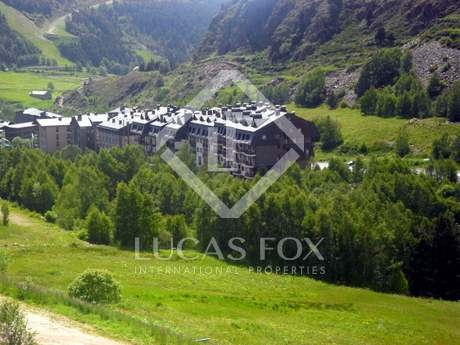 Comfortable ski apartment for sale in Andorra
