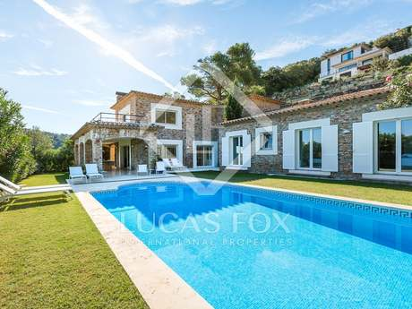 Costa Brava villa for sale near Sa Riera and Aiguafreda