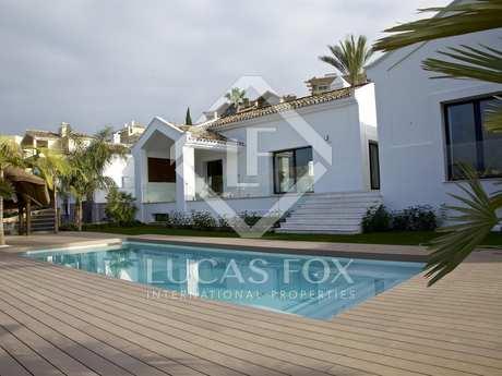 4-bedroom villa for sale in Nueva Andalucia