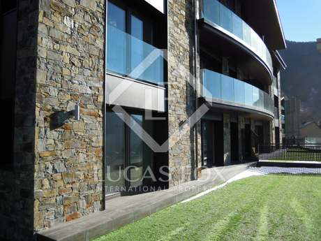 New build apartment with garden to buy in Escaldes, Andorra