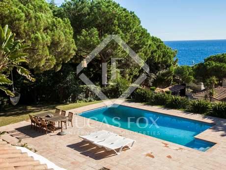 Wonderful Costa Brava villa for sale with sea views