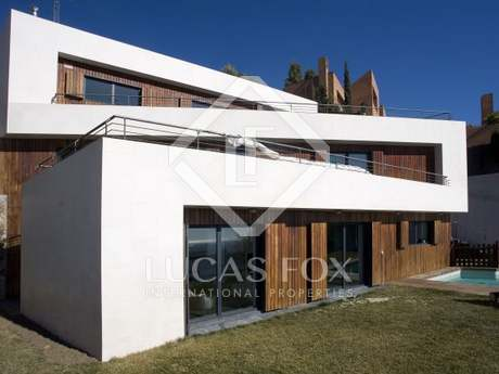 Designer villa for sale with sea views in Ciudad Diagonal
