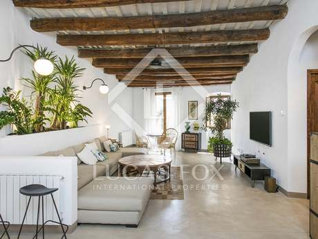 180m² apartment with 90m² terrace for rent in Barcelona