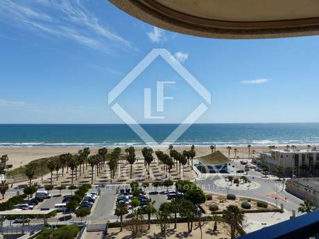 Seafront apartment to rent in Playa Patacona, Valencia