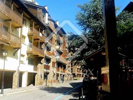 Apartamentp de 3 dormitorios para comprar en Andorra. El Tarter. Grandvalira.