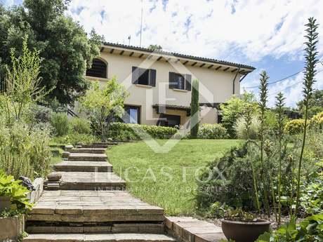 在 Sant Cugat, 巴塞罗那 528m² 出售 豪宅/别墅 包括 花园 750m²