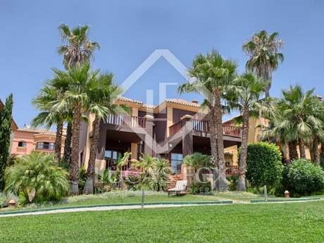 Villa en venta en la Milla de Oro de Marbella