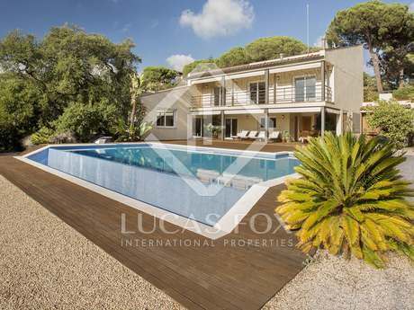 4-bedroom villa with sea views and pool for sale in Cabrera