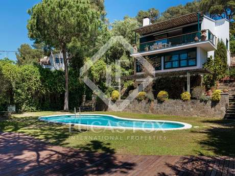 250m² villa for sale in Llafranc