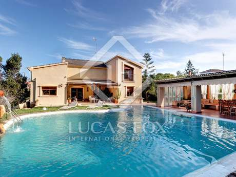 Villa for sale in Montgo, Denia, with sea views