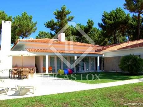 4-bedroom golf villa for sale near Lisbon