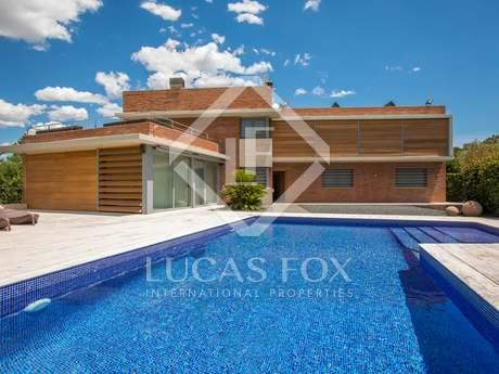 Casa / Vil·la de 650m² en venda a Vallromanes, Maresme