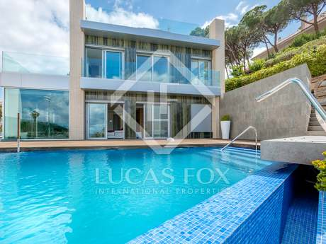 Stunning modern villa for sale in Fenals, Lloret de Mar