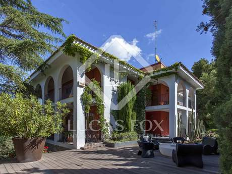 600m² House / Villa with 2,600m² garden for sale in El Bosque / Chiva