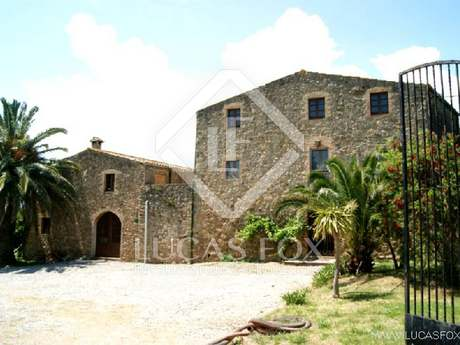 Country house for sale in the Alt d'Emporda, Girona Province