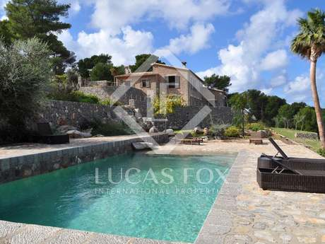 Casa / Villa di 450m² in vendita a North West Mallorca