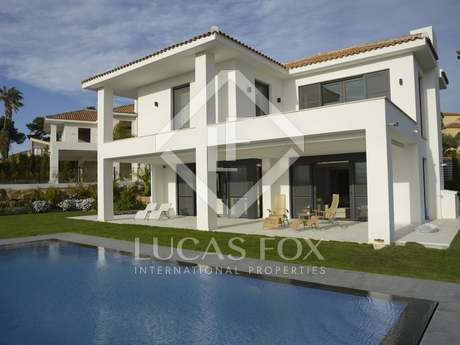 Spectacular 4-bedroom modern villa to buy in hills, Cabopino
