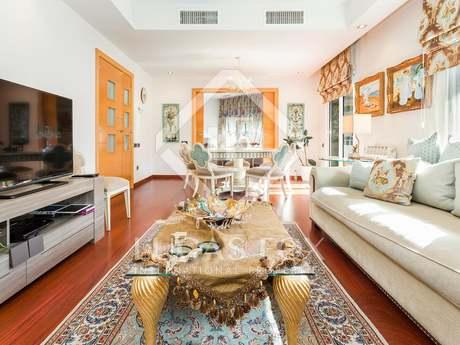 Apartamento de 4 dormitorios en venta en Eixample Izquierdo