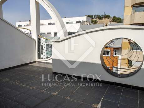 Duplex penthouse for sale in Denia with views of the town