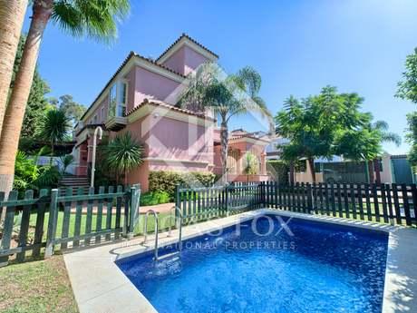 Casa en venta cerca de la playa en San Pedro de Alcantara
