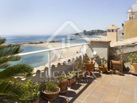 First line Costa Brava penthouse duplex apartment to buy