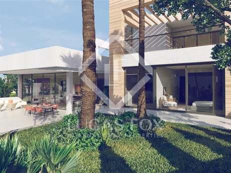 Stunning modern 4-bedroom villa for sale in Marbella