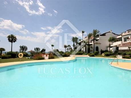 Квартира 120m², 30m² террасa на продажу в Эстепона
