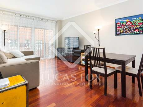 3-bedroom house to rent furnished with a terrace and parking, Gracia
