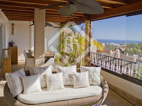 169m² penthouse with a terrace for sale in Nueva Andalucía