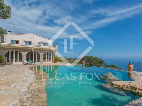 Luxury Costa Brava sea view property to buy in Begur