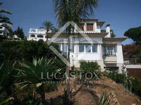 Villa en venta ubicada en Nueva Andalucía, Marbella.