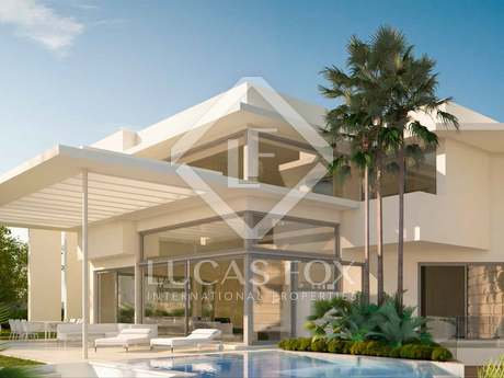 563m² villa with 133m² terrace for sale in East Marbella