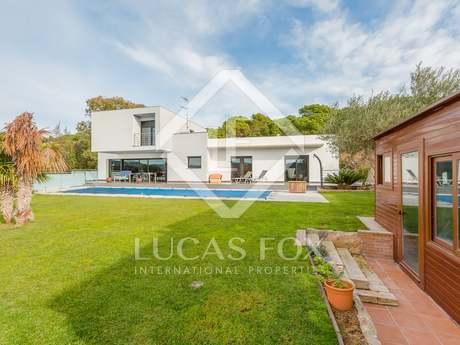 Modern villa for sale in Calonge near the Bay of Palamós