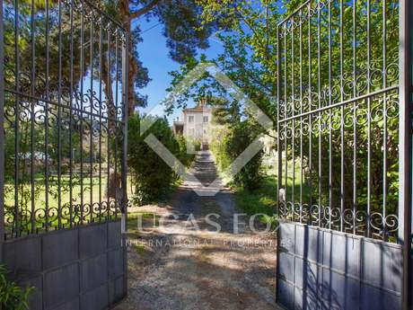 1,200m² country house for sale in Alella, Maresme