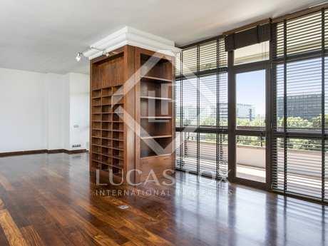 150m² Wohnung mit 25m² terrasse zur Miete in Les Corts