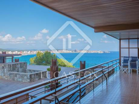 2-bedroom apartment with sea views for sale in Calogne