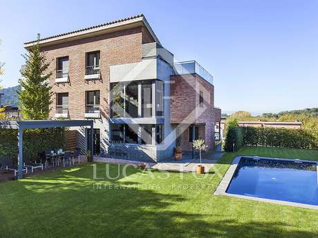 Villa for rent in Vallromanes, Maresme Coast