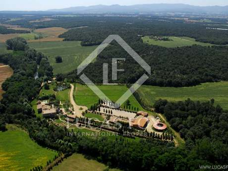 Luxury Girona country property to buy