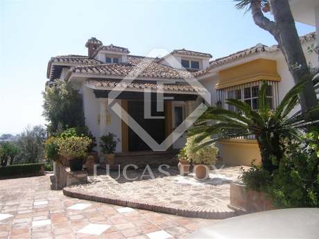 5-bedroom villa for sale with total privacy in Mijas village