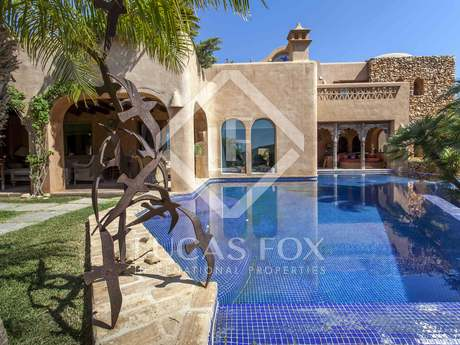 376m² luxury property with 64m² terrace for sale in Denia