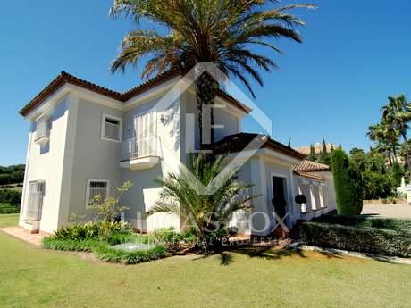 Villa traditionnelle 4 pièces en vente à Sotogrande Alto
