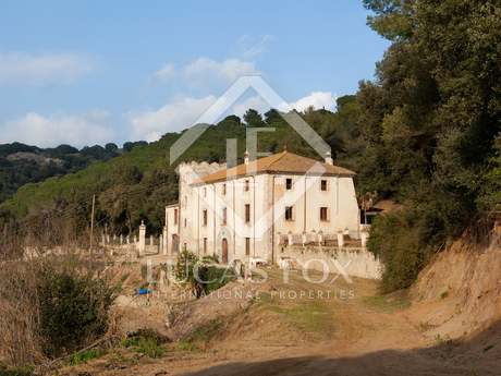 Country estate to renovate for sale in Arenys de Munt